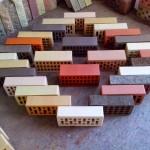 Характеристики силикатного, керамического,  клинкерного, деревянного и глазурованного кирпича и их применение.