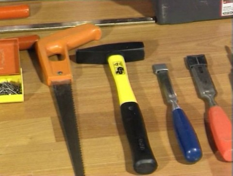 инструменты которые понядобятся дя врезки замка