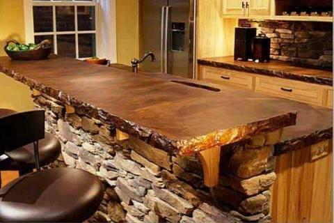stol na kuhne iz iskusstvennogo kamnya
