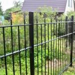Что поставить сварной или кованный забор
