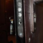 замена личинки в замке входной двери