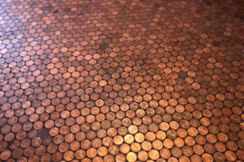 pol-pokrytyjj-monetami