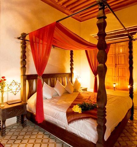 Оформление спальни в восточном стиле