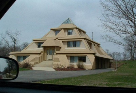 Pyramid House Absoludism