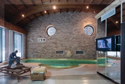 кинотеатр в домашнем бассейне