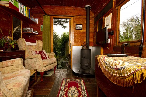 railholiday-olv-sitting1-via-smallhousebliss